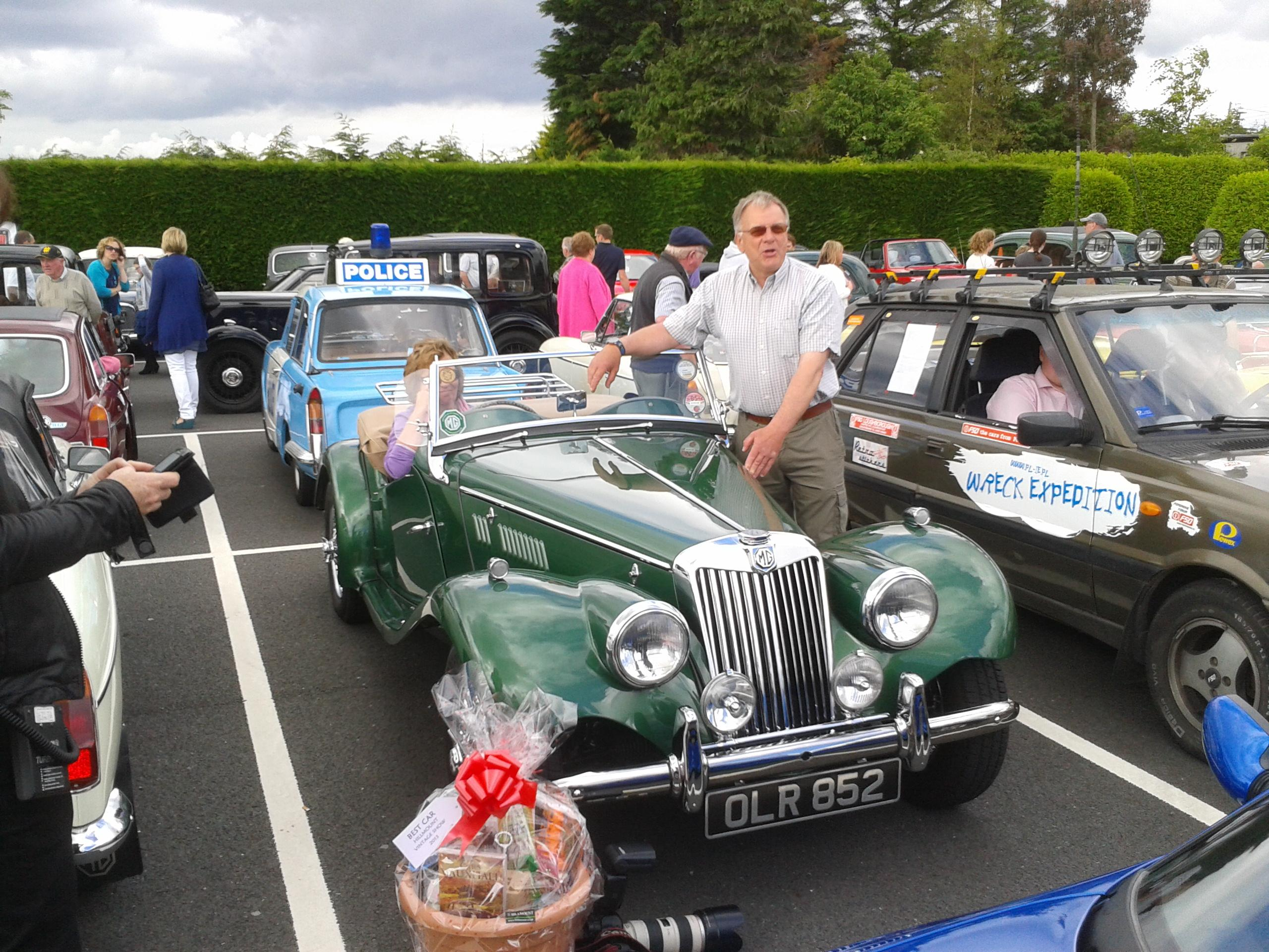 Fathers Day at Hillmount 2013, Noel  & Linda Corry, MG TF Midget